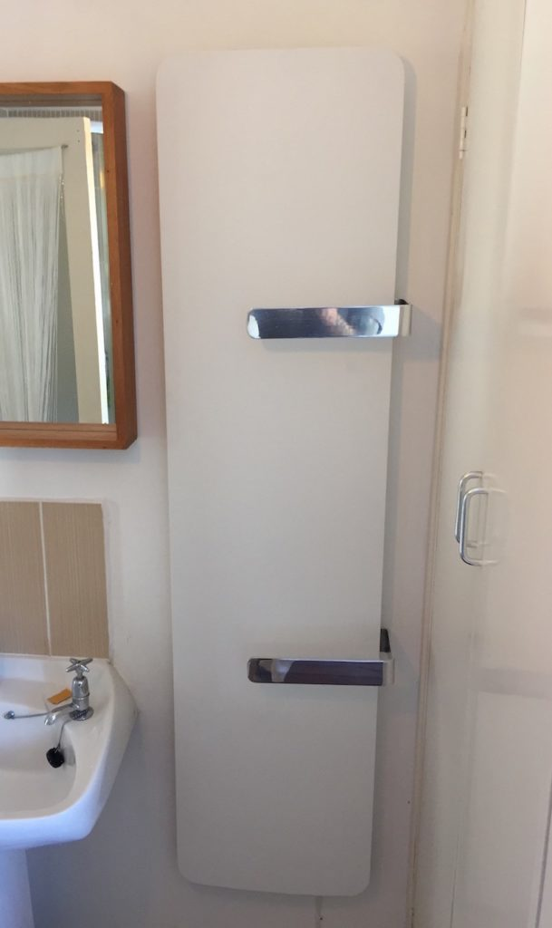 Curva Towel Rail - Bespoke electric radiators by Creative Radiators